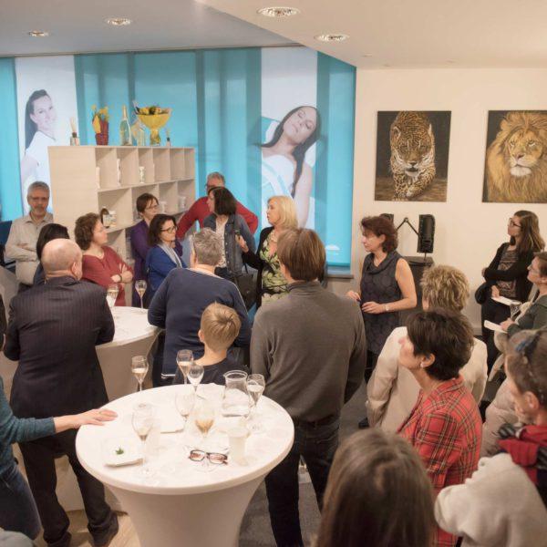 Rund 100 Interessierte Personen fanden sich im neuen Studio Liesing ein.