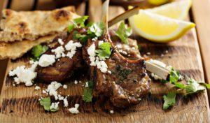 KETO Lammkotelette auf Ziegenkäse zum Oster-Brunch