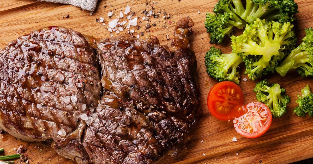 Rinderfilet mit Gemüse der Saison