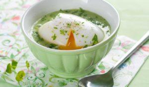Ketoglyx Spinatsuppe mit Ei